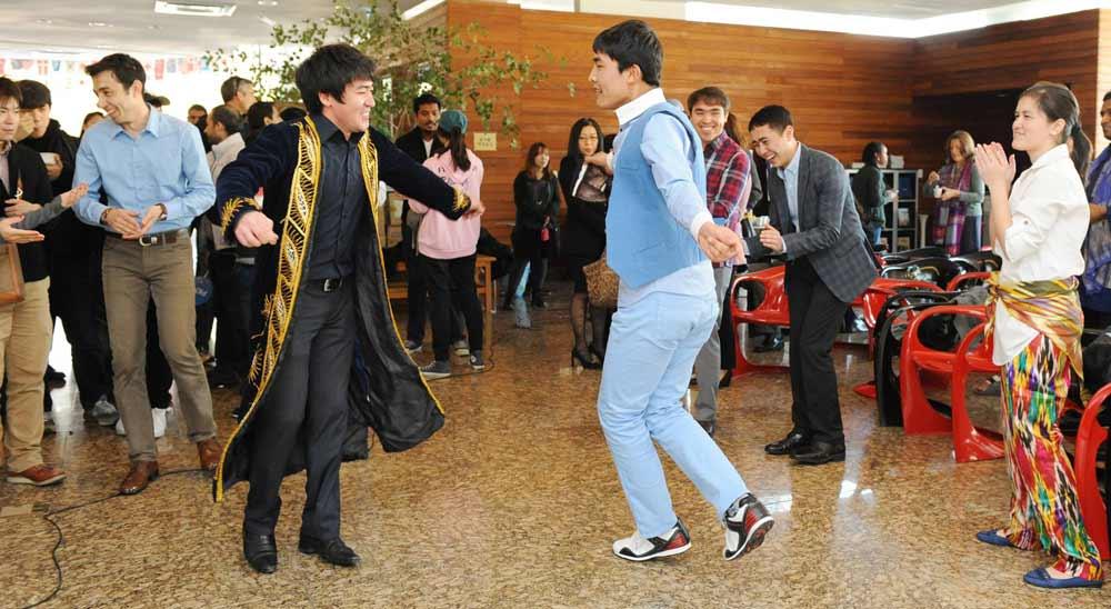 узбекские студенты в Китае